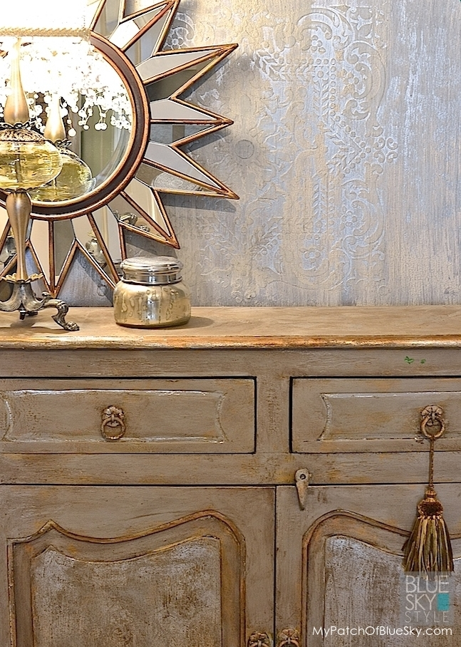 "Create This ""Ice Palace"" Wall Finish Using Wood Icing Textura Paste"