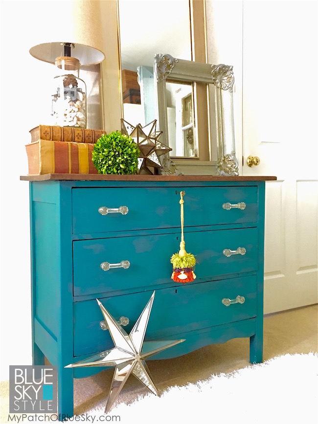Upcycled old chest, using Fusion Renfrew and Homestead Blue.